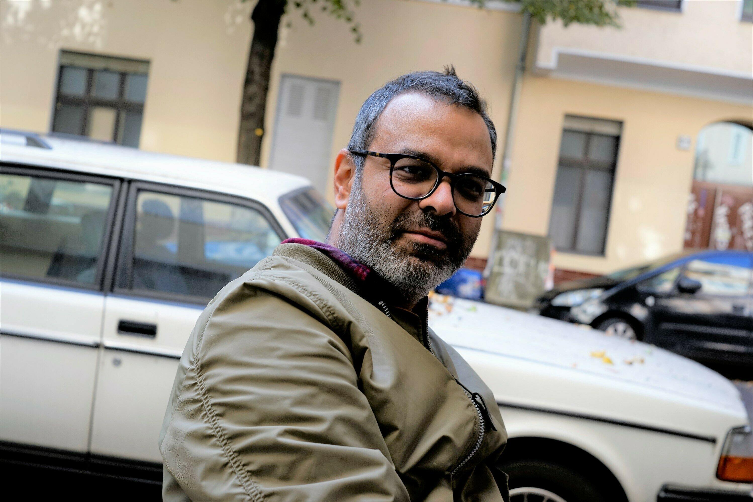 Künstlerportrait Asad Raza Benutzerdefiniert